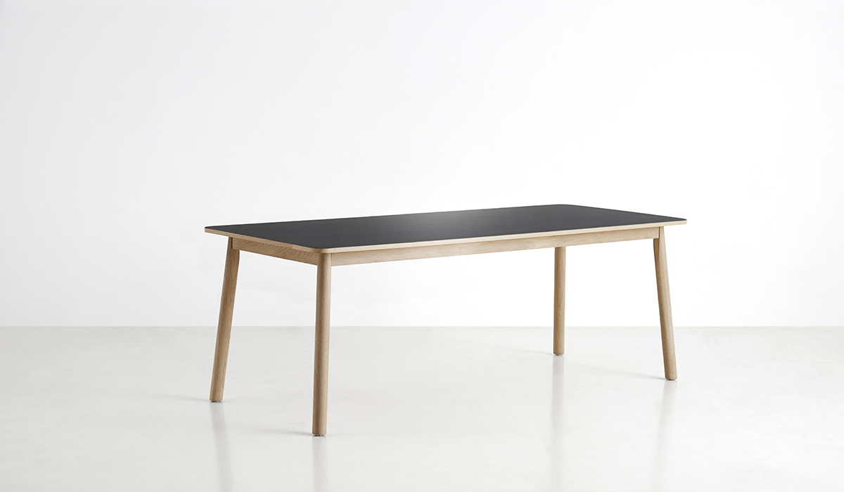 110101_Pause dining table_1