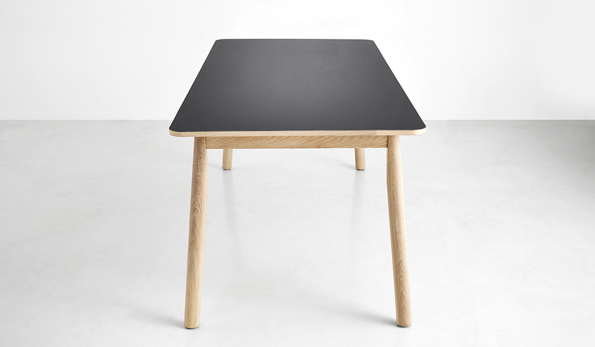 110101_Pause dining table_2